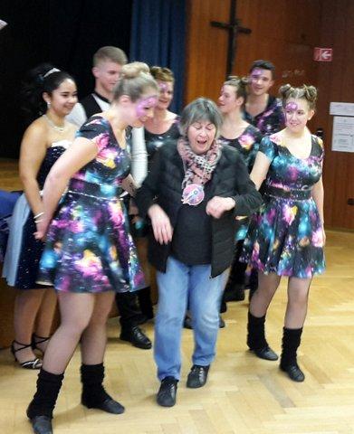 Gekonnte Tanzeinlage zum Fasching 2019
