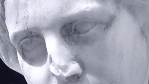 Weibliche Marmorstatue Portrait