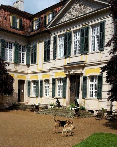 Portalsansicht des Schloss Dennenlohe