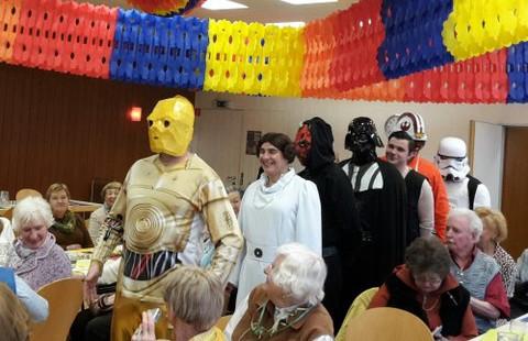 Einzug der Tollitäten des Faschingsclub Neuhausen oder dorch nur die Star Wars Stars?